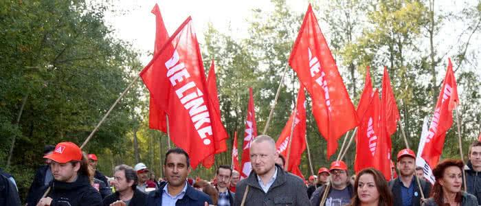 DIE LINKE. Bochum auf einer Demonstration gegen Stellenstreichungen von Thyssen Krupp